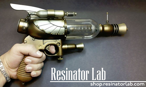 Retro Space Ray Gun from Resinator Lab